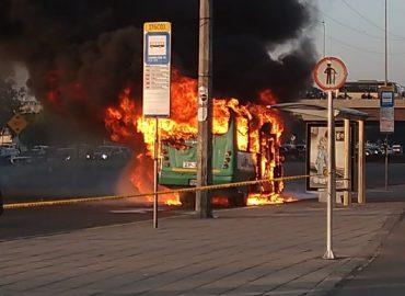 Una buseta del SITP provisional se incendió en Bogotá